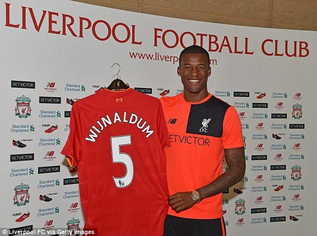Wijnaldum sẽ khoác áo số 5 tại CLB mới