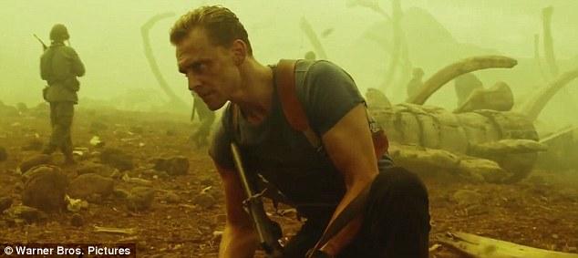 Tom Hiddleston vô cùng hào hứng khi chia sẻ về dự án này tại sự kiện Comic Con