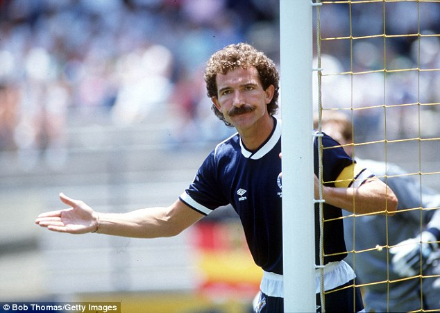 Graeme Souness could offer Chelseas Brazilian superstar a word of advice about facial hair