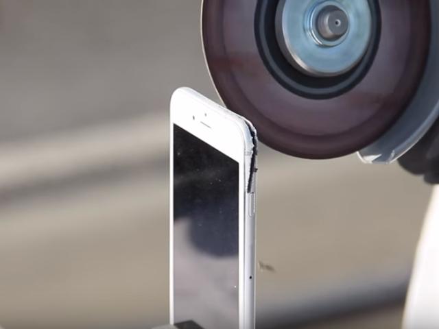 Tách rời camera sau của chiếc iPhone 6S