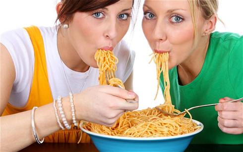 Ăn mì Ý là cả một nghệ thuật.