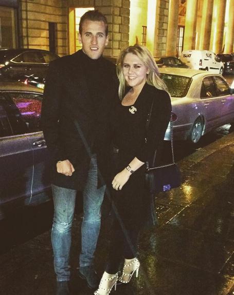 Harry Kane đón Năm mới bên bạn gái Kate