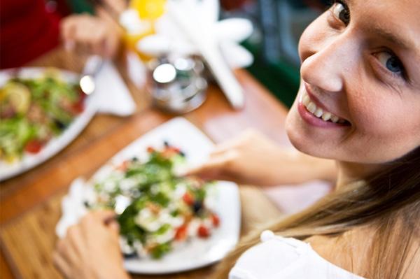 Đừng nên chỉ ăn món khai vị mà bỏ qua các món chính.