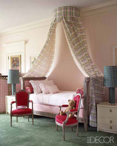 Căn phòng với phong cách lãng mạn, nhẹ nhàng.