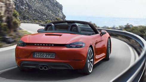 Với động cơ xăng 2 lít, xe có thể đạt vận tốc từ 0-100 km/h trong 4,5 giây (tốc độ tối đa 275 km/h), và giảm xuống còn 4 giây với động cơ xăng 2,5 lít (tốc độ tối đa 285 km/h)