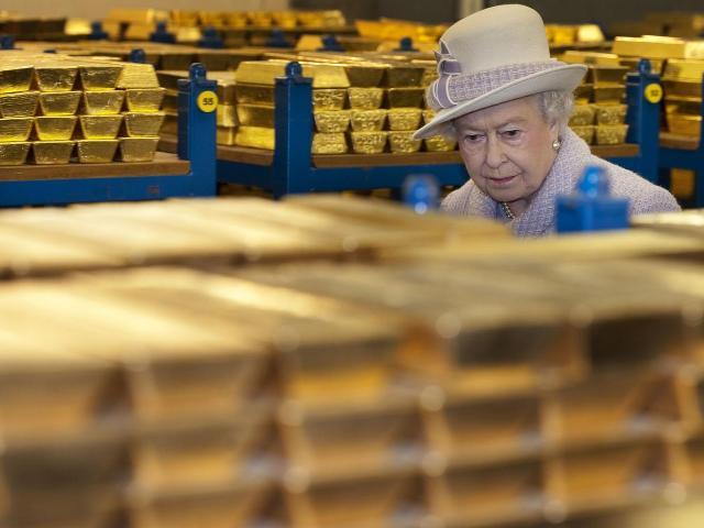 Chính vì điều này, không chỉ đường phố London được xây trên vàng mà còn có 7 hầm vàng khác nhỏ hơn thuộc sở hữu của các ngân hàng như JP Morgan và HSBC nằm dưới đường M25 bao quanh nước Anh. Vị trí các hầm vàng đều được giữ bí mật. Khi các nhà báo đến thăm một hầm vàng của JP Morgan vào năm 2011, họ đã phải giao nộp điện thoại và di chuyển trong một chiếc xe ô tô riêng của ngân hàng với cửa sổ bị bịt kín.