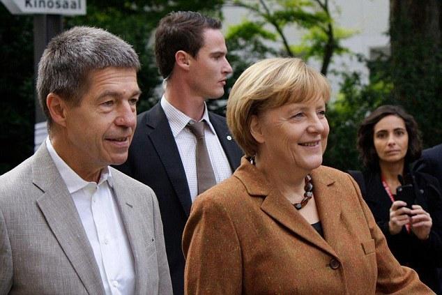 Thủ tướng Đức Angela Merkel là một người yêu thích đi bộ. Bà Merkel vừa có chuyến leo núi cùng chồng là ông Joachim Bauer ở Solda, miền bắc Italia.