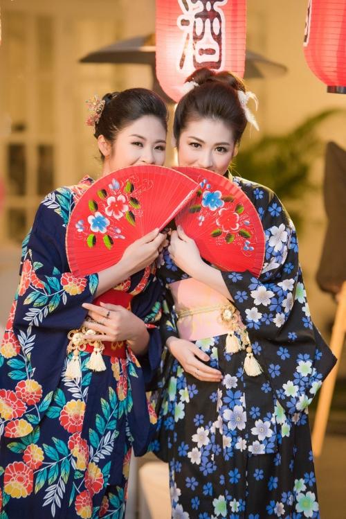 Hoa hậu Ngọc Hân và Á hậu Tú Anh