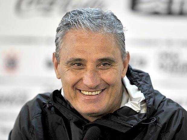 Adenor Leonardo Bacchi (Tite) - Tân HLV của ĐT Brazil