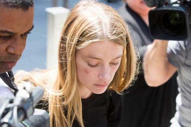 Những điều Amber Heard tố cáo Johnny Depp có bao nhiêu phần trăm sự thật? Đây đang là câu hỏi được quan tâm của truyền thông. (Ảnh: Mirror)