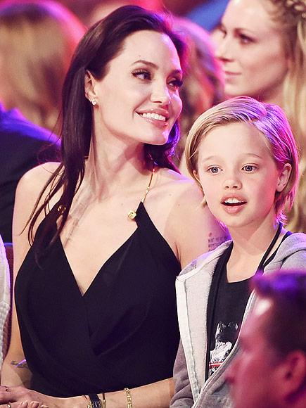 Shiloh giống nữ diễn viên Angelina Jolie đến bất ngờ.