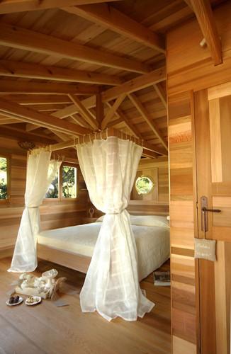 Dành buổi tối trong ngôi nhà cây này không có nghĩa là du khách phải từ bỏ mong muốn về một căn phòng sang trọng và tiện nghi.