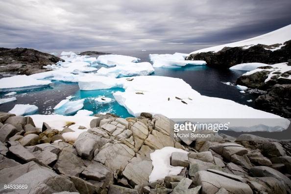 98% diện tích của châu Nam Cực là băng.
