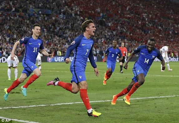 Griezmann và các đồng đội đang rất tự tin hướng đến chức vô địch EURO 2016. Ảnh: AP