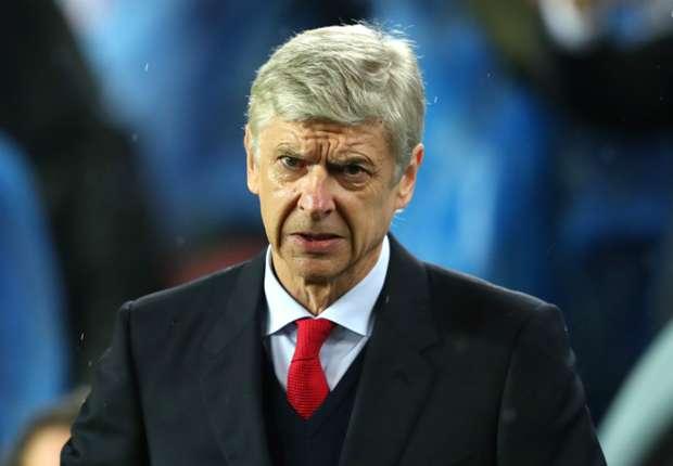 Bản hợp đồng với Asano khiến HLV Wenger gặp nhiều chỉ trích