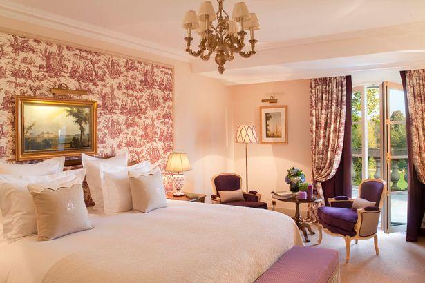 Quang cảnh bên trong một phòng ngủ tại khách sạn 5 sao mà ĐT Anh đóng quân. Ảnh: The Mirror
