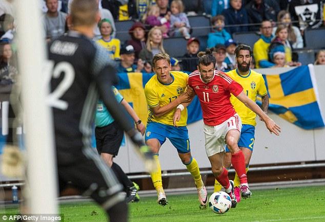 Gareth Bale vào sân trong hiệp 2 nhưng không thể tạo ra sự khác biệt