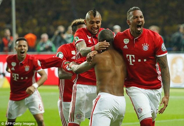 Bayern hạ kình địch Dortmund sau loạt đấu súng cân não để giành Cup QG Đức.