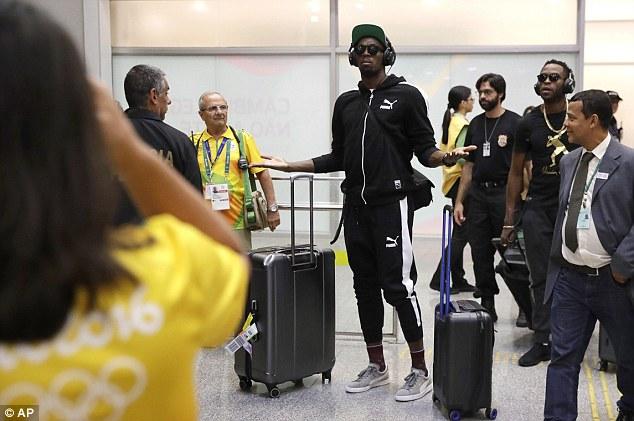 Trước NHM, Bolt vẫn tự tin thể hiện cá tính