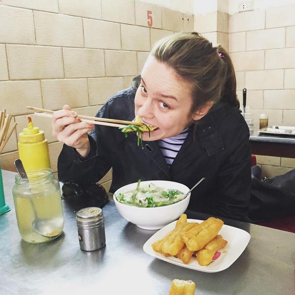 Bức ảnh đầu tiên được Brie cập nhật khi đến Việt Nam.