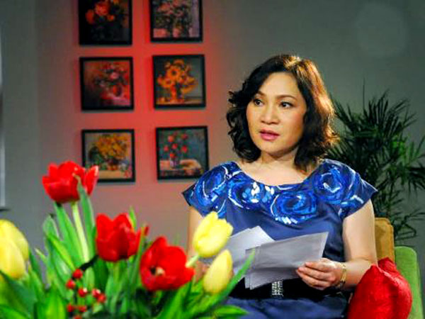 Sau 15 năm làm biên tập viên truyền hình, BTV Kim Ngân bất ngờ rẽ hướng sang một địa hạt mới là viết kịch bản phim truyền hình.