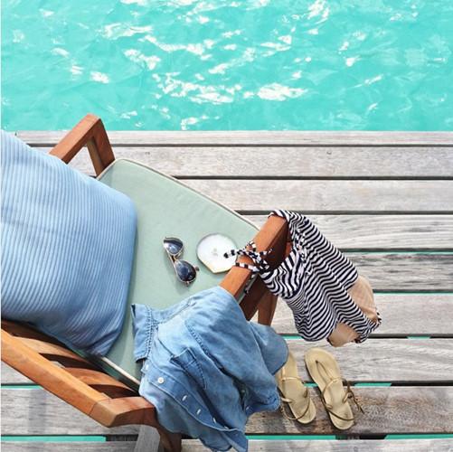 Những trang phục, phụ kiện... bạn mang theo trong chuyến đi cũng có thể tạo nên những bức ảnh đẹp
