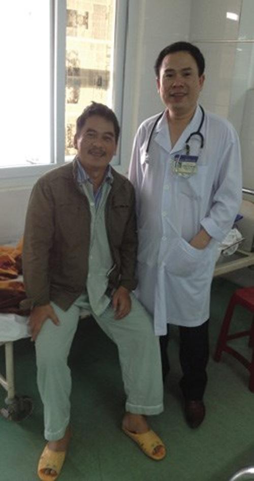 Bệnh nhân (trái) đã được cứu sống dù tim đã ngừng đập 1 giờ. (Ảnh: songkhoe.vn)