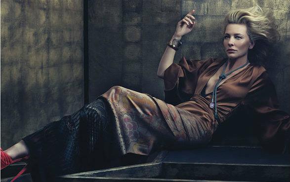 Đây không phải lần đầu tiên Cate Blanchett xuất hiện trên tạp chí thời trang danh tiếng W. Cô đã từng góp mặt trong nhiều hình ảnh của tạp chí này.