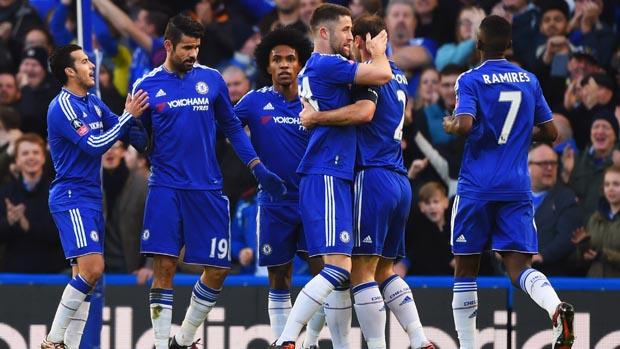 HLV Guus Hiddink sẽ có chiến thắng thứ 2 cùng Chelsea tại giải Ngoại hạng Anh?