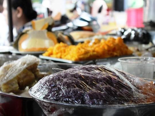 Xôi Xiêm món ăn chỉ có ở Campuchia, nay xuất hiện tại chợ Lê Hồng Phong.