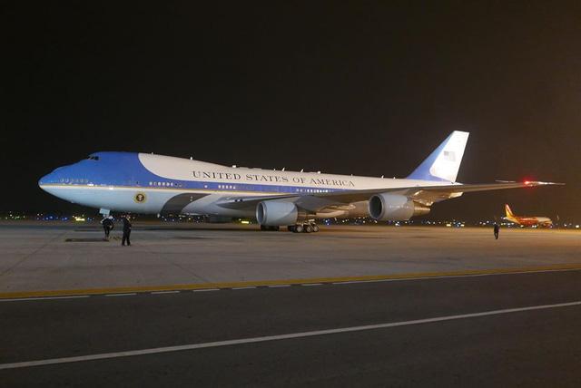 Không lực Một (Air Force One) - chuyên cơ của Tổng thống Mỹ Barack Obama đã đáp xuống sân bay Nội Bài lúc 21h30 tối 22/5. (Ảnh: Dân trí)