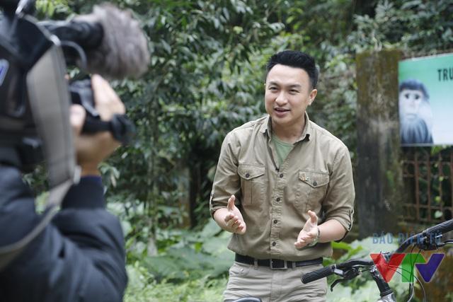 BTV Việt Phong trong một cảnh quay cho chương trình Chuyện con giáp Bính Thân 2016