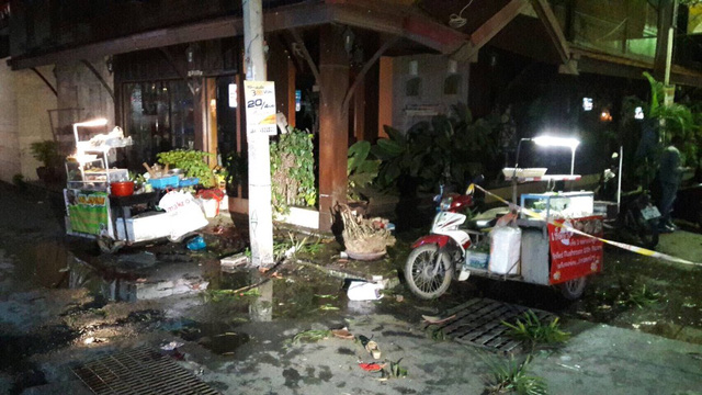 Ngày 11/8, 2 quả bom phát nổ tại khu nghỉ dưỡng Hua Hin của Thái Lan, khiến ít nhất 1 người thiệt mạng.