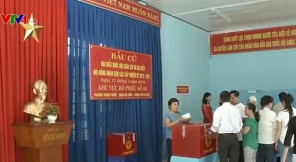 Cử tri Đà Nẵng tham gia bỏ phiếu bầu Đại biểu Quốc hội và Hội đồng nhân dân các cấp