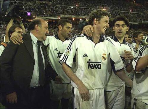 Del Bosque (ngoài cùng bên trái) là HLV trị vì lâu nhất ở Real thời Perez.