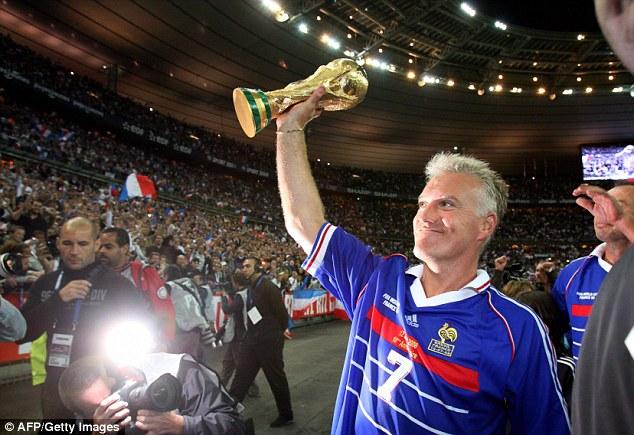 Deschamps là người kết nối giữa hai thế hệ xuất sắc của bóng đá Pháp.