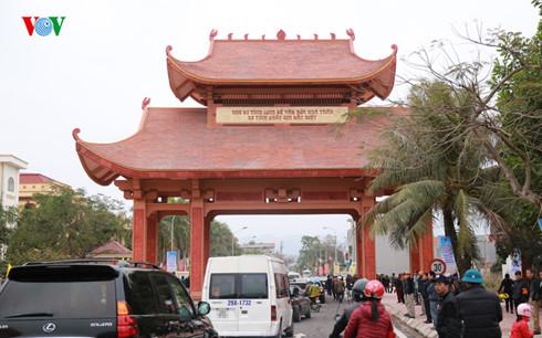 Cổng khu di tích Nhà Trần vừa được khánh thành