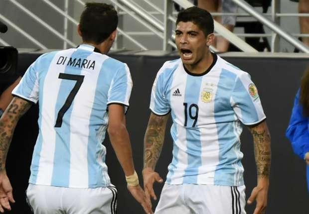 Di Maria và Banega là 2 cầu thủ lập công mang về chiến thắng cho ĐT Argentina