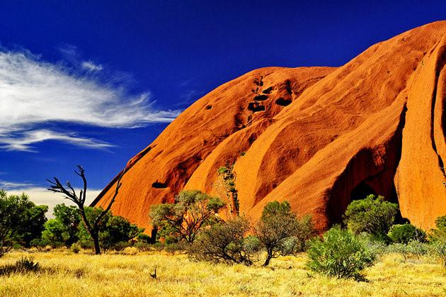 Vườn quốc gia Uluru-Kata Tjuta được UNESCO công nhận là di sản thế giới.