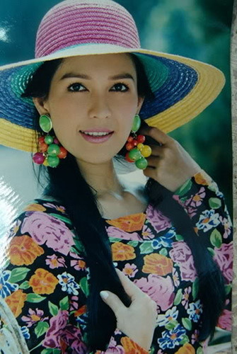 Dù đóng nhiều phim song khán giả vẫn biết đến chị với tư cách là một người mẫu ảnh lịch xuất sắc nhất.
