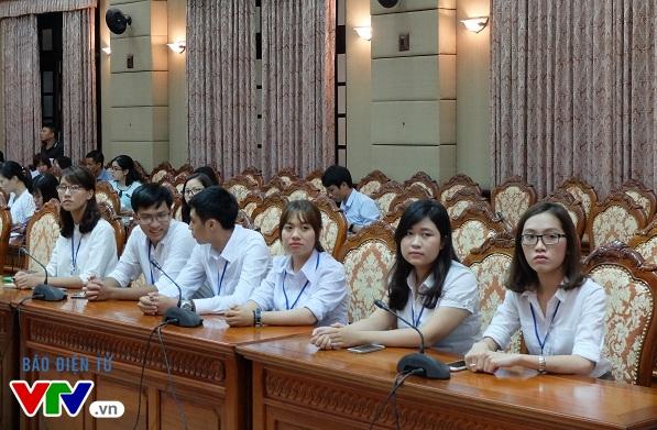 Một số thủ khoa tiêu biểu trong buổi họp báo thông tin về chương trình Tuyên dương Thủ khoa xuất sắc tốt nghiệp các trường đại học, học viện trên địa bàn TP.Hà Nội