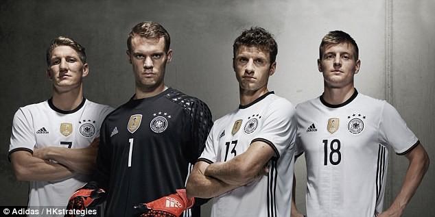 ĐT Đức mang đến EURO 2016 một mẫu áo đấu ấn tượng từ hãng Adidas. Ảnh: Adidas