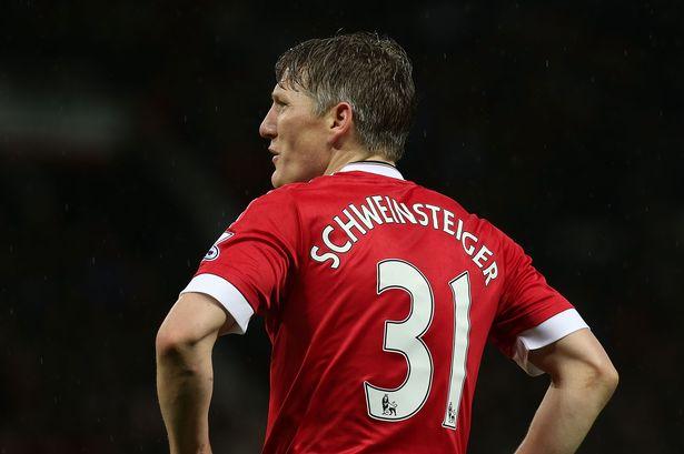 Mourinho đã quá phũ phàng với Schweinsteiger?