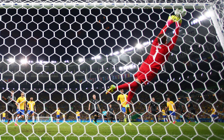 Thủ quân của ĐT Olympic Brazil đã không cho Timo Horn cơ hội nào để cản phá
