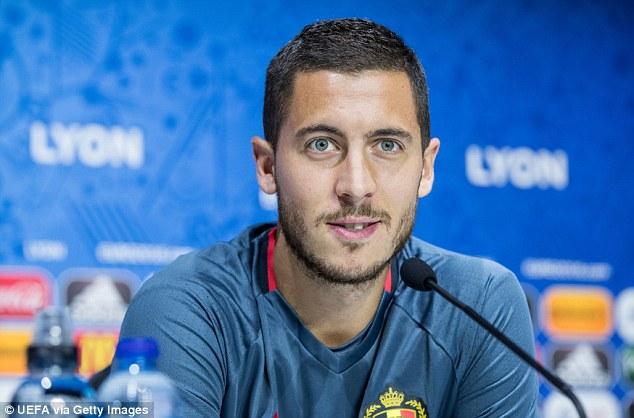 Hazard dè chừng thủ thành lão luyện Buffon của ĐT Italy.