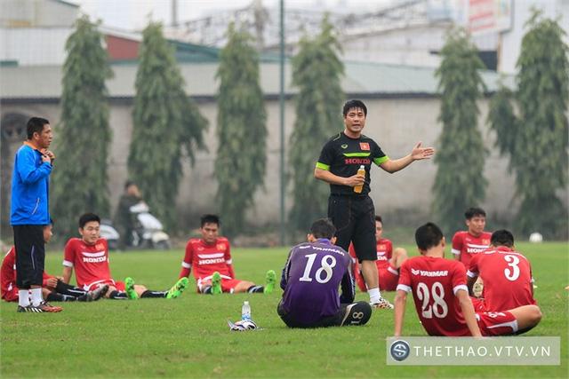 HLV Hữu Thắng sẽ cân nhắc về vấn đề nhân sự sau trận đấu tập với Than Quảng Ninh tối nay.