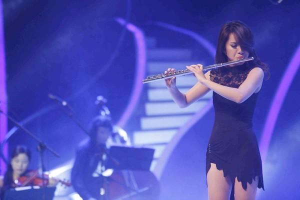 Nghệ sĩ sáo Huyền Trang là khách mời của đêm bán kết 2.