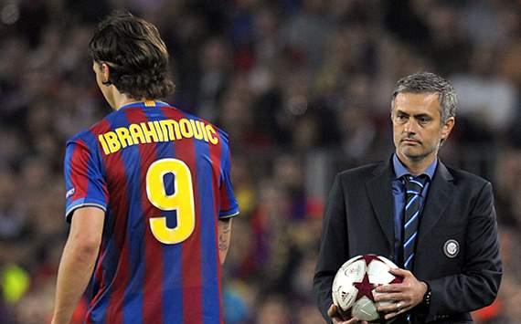 Nhiều khả năng, Ibra từng đối đầu với Mourinho trong các trận El Clasico lại về chung chiến hào với Người đặc biệt chống lại thầy cũ Guardiola ở derby Manchester.