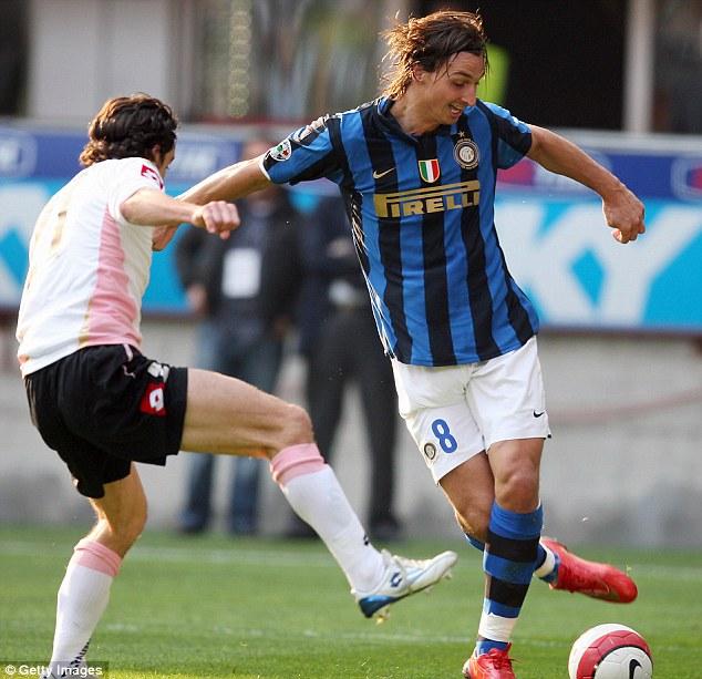 Ibra đầu quân cho Inter và giành 3 Scudetto liên tiếp.