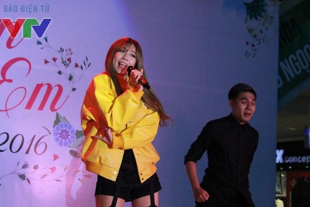 Nữ ca sĩ Min st.319 thể hiện nhiều ca khúc đáng yêu đang được giới trẻ yêu thích